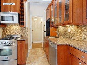 Kitchen w/high end appliances & finishes