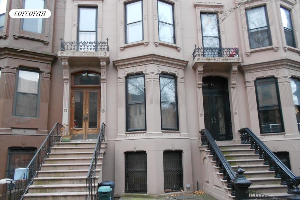 206 Saint Johns Place