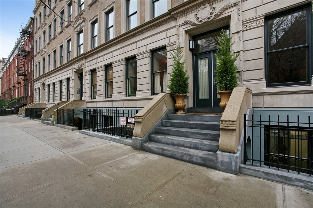 422 West 20th ST.