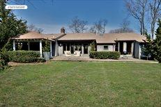 1073 Peconic Bay Blvd, Jamesport