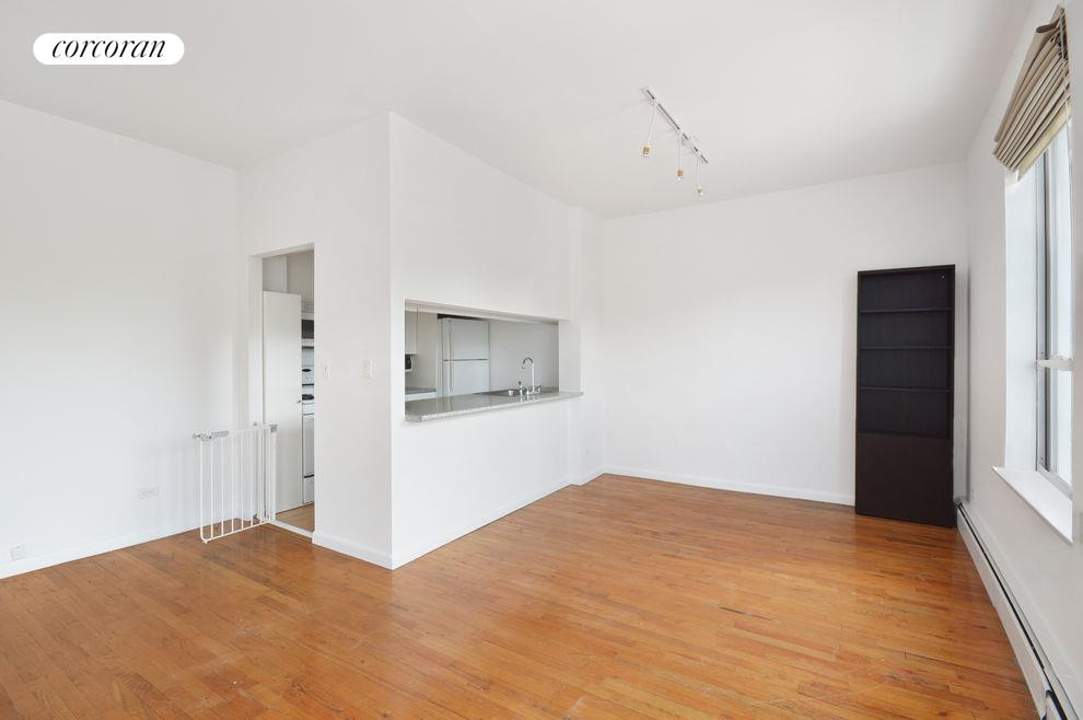 115 Eastern Pkwy, APT 5E Photo 1 - CORCORAN-2675392