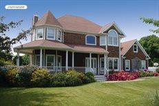 315 Richmond Lane, Peconic