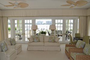 326 Via Linda, Palm Beach