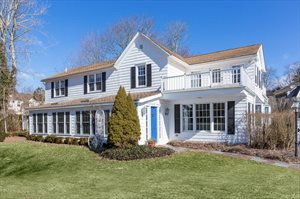 446 Cobb Road, Water Mill