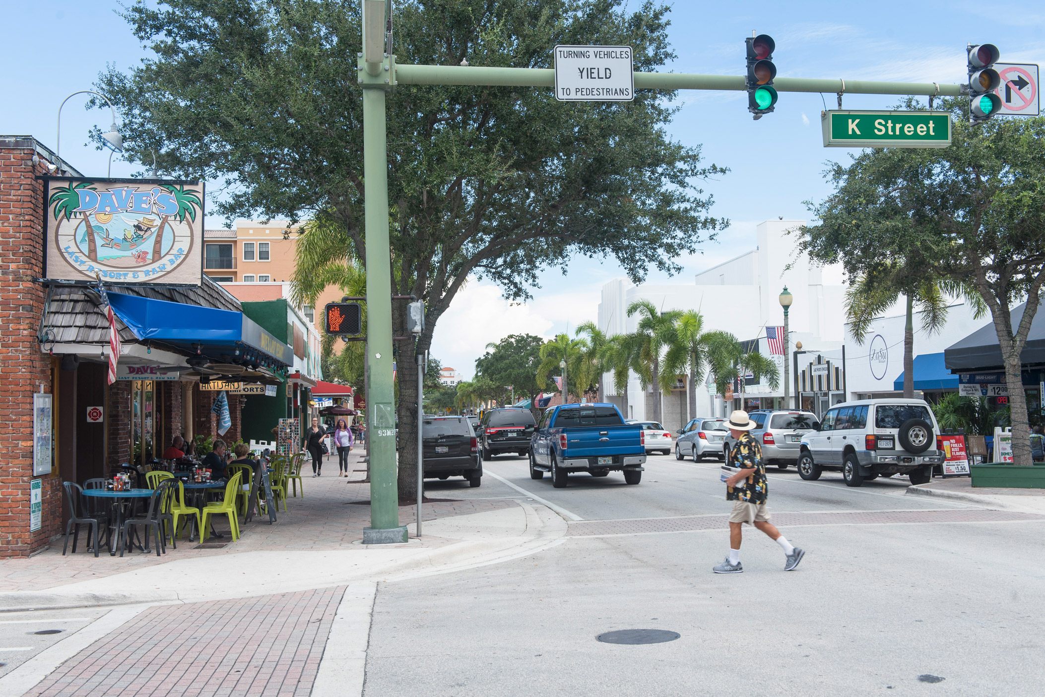 "A view down Lake Ave in Lake Worth"" style="