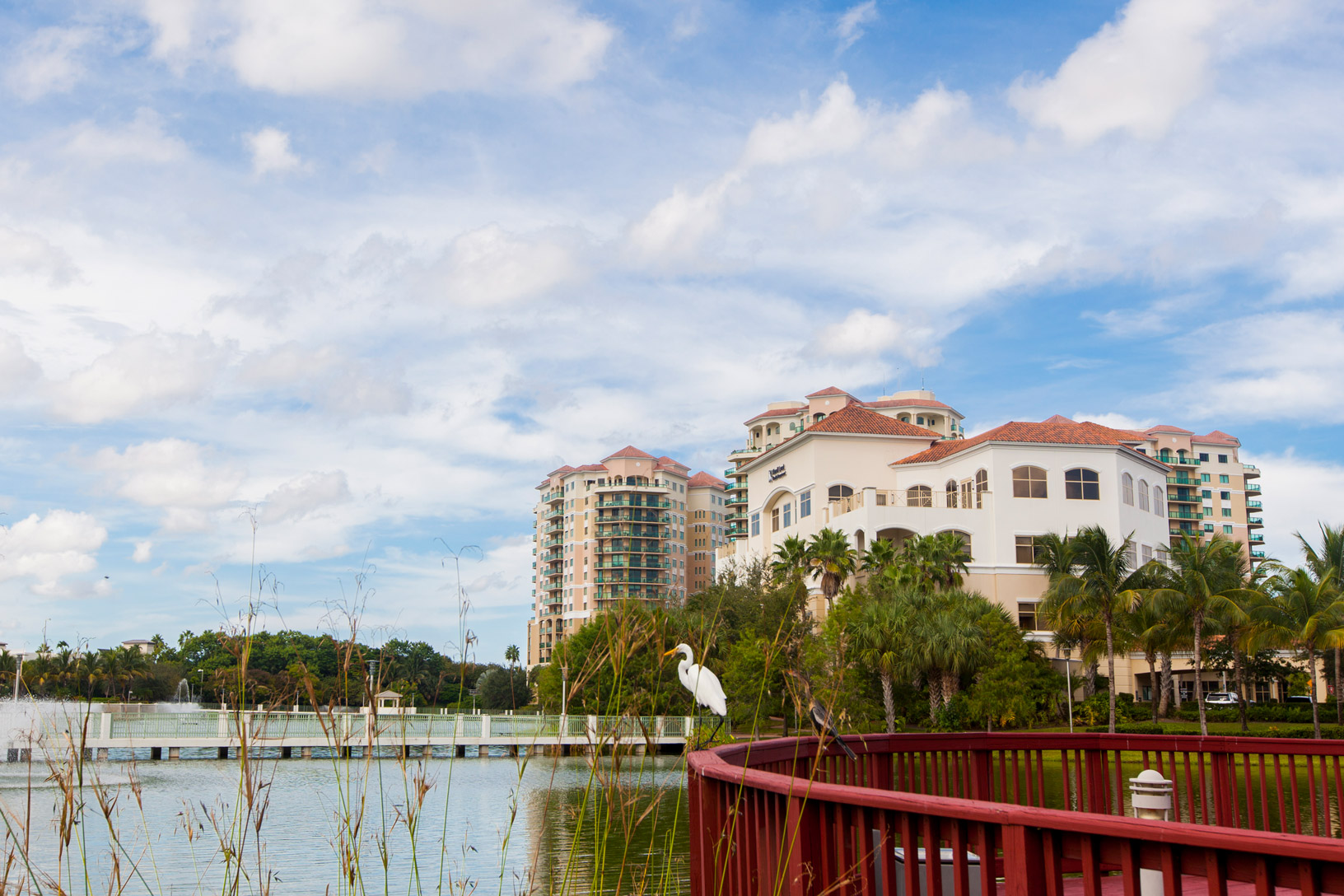 "Large residential buildings in Palm Beach Gardens"" style="